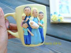 Семейная кружечка укатила в Питер  #полимернаяглина #пластика #фимо #кружка #кружкавподарок #кружканазаказ #ярмаркамастеров #ручнаяработа #семья #polymerclay #mug #cup #handmade #livemaster