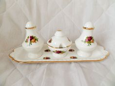 ROYAL ALBERT OLD COUNTRY ROSES RARE CRUET SET AND TRAY 1ST 1962 ENG MINT #RoyalAlbert