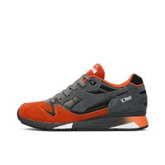 Diadora V7000 Premium Castle Rock/Dark Orange. Available at Concrete Store Prinsestraat | WEB SHOP #dipyourfeetintotheconcrete #concretestore #thehague #unisex #footwear #Diadora #V7000 #Premium #Castle #Rock #Dark #Orange