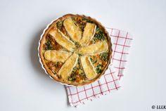 Oud & Nieuw: quiche met brie en spinazie Brie, Spanakopita, High Tea, Apple Pie, Nom Nom, Buffet, Food And Drink, Low Carb, Dinner