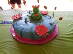 Frogs and Lily pads cake for a Baby Shower.  Inside I made it Strawberry and Chocolate cake.  6/7/12