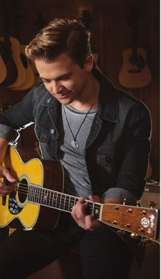 Great edit by kellie Hartley my beautiful and wonderful sweetheart playing the guitar he's so handsome and beautiful I love him always and forever❤️❤️ Country Singers, Country Music, Celebrity Singers, Hunter Hayes, Always And Forever, Country Boys, I Love Him, Guitar, Handsome