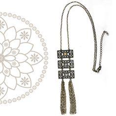 Colar c/ Design Exclusivo da Argolla Bijoux e Bureau, em ouro envelhecido e pedrarias #necklace #accessorie #bijoux #modabrasil #designbrasil #privatelabel #colar #acessoriododia #lookdodia