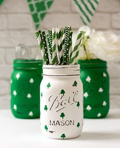 St Patrick Day Vase  Shamrock Vase  Painted Mason Jar