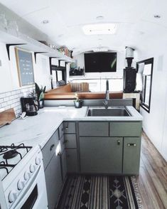 Elegant Tiny House Bus Living Conversion Ideas — Home Design Ideas Bus Living, Tiny House Living, Living In A Camper, Living Room, Living Area, Decorating Your Rv, Decorating Games, School Bus House, School Bus Camper