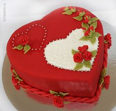 Dort marcipánový * k narozeninám - srdce zdobené růžičkami ♥