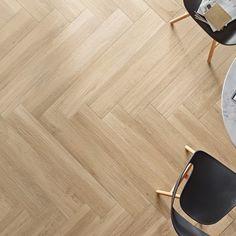 Por su variedad, por la cantidad de posibilidades que ofrece, moldeadas, talladas, troqueladas, naturales, curvadas... la madera es pura tendencia. Y en disegño lo tenemos claro. Si quieres verlo tan claro como nosotros ven.  Bilbu en Bizkaia, Larogei en Gipuzkoa, Bilcon en La Rioja y Navagres en Navarra.  #disegño #larogei #bilcon #bilbu #navagres #decorideas #floors #walls #Deco #casas #arquitectura #design #interiorismo #trends #homedecor #interior #interiordesign