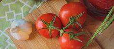 Os benefícios do tomate para a saúde e pele estão sendo aproveitados pela indústria de cosméticos. Saiba tudo sobre este fruto e como ele pode te deixar mais bonita.