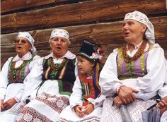 Image via Open-Air Ethnographic Museum of the Kurpie Region in Nowogród. Art Costume, Folk Costume, Costumes, Polish Folk Art, Reference Images, Folklore, Traditional Outfits, Poland, Folk Clothing