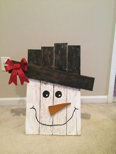 Hand-made Pallet Snowman, featuring a Santa hat. Made from ...