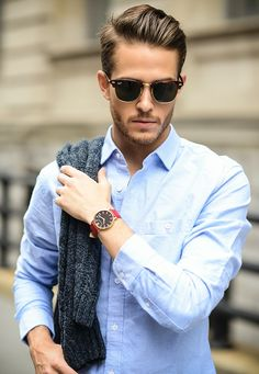 Menswear & Lifestyle blogger Adam Gallagher adds a bold accent to a classic look with the Läder | Red