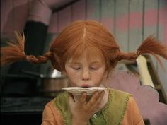 Pippi drinking coffee