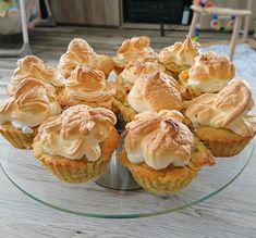 Rhabarber - Muffins mit Baiser, ein sehr schönes Rezept mit Bild aus der Kategorie Kuchen. 53 Bewertungen: Ø 4,3. Tags: Backen, Kuchen