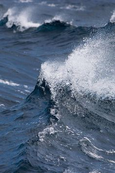 Wave / Sea / Color Photography                                                                                                                                                                                 Mehr