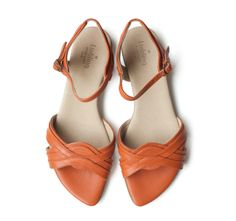 It's is all about the orange! http://liebling-shoes.com/shop.html