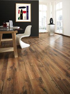 Elesgo laminált padló Minőségben és esztétikában is egyaránt kimagasló. Nézz körül kínálatunkban és, válaszd ki ami legjobban hozzád illő!   #design #interior #home #decor #architecture #style #wood #floor #laminated #elesgo #room #colorful #homedesign #amazing #livingroom #beautiful #today #photooftheday #instagood  #minimal #perspective #pattern #life #otthon #lakberendezes #laminalt #kenyelem #fa   www.dreamfloor.hu