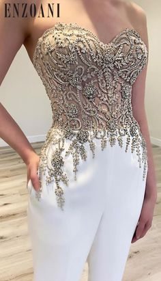 Bridal jumpsuit anybody! 😍😍 If you know me you know I live for a jumpsuit and I am loving the incredible detail in this beauty… Prom Outfits, Chic Outfits, Dress Outfits, Fashion Dresses, Dress Up, Couture Mode, Couture Fashion, Elegant Dresses, Pretty Dresses