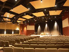 More modern churches are beginning to resemble theatrical spaces, moving away from more traditional church venues. Church Lobby, Church Foyer, Church Interior Design, Church Stage Design, Church Camp, Auditorium Design, Meeting Hall, Modern Church, Auditorium