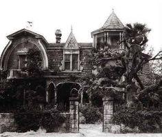 I love this old haunted house at 1313  Mockingbird Lane!