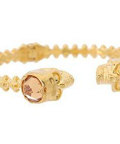 Alexander McQueen Skull Studs Bracelet #accessories  #jewelry  #bracelets  https://www.heeyy.com/suggests/alexander-mcqueen-skull-studs-bracelet-topaz/