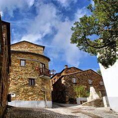 Fajão, aldeias de Xisto, Portugal #visitportugal by @fornatina