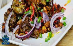 خوراک سنگدان مرغ با قارچ Jollof Rice, Nigerian Food, Mushroom Recipes, Mushroom Food, Makati, Good Food, Cooking Recipes, Tasty, Dishes