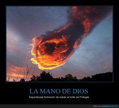 Cuando Dios hace un hadouken - Espectacular formación de nubes al norte de Portugal   Gracias a http://www.cuantarazon.com/   Si quieres leer la noticia completa visita: http://www.estoy-aburrido.com/cuando-dios-hace-un-hadouken-espectacular-formacion-de-nubes-al-norte-de-portugal/