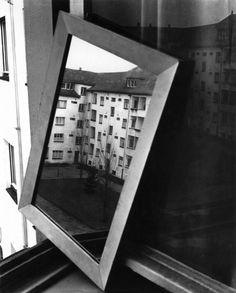"Herbert List / Magnum Photos  ""Neighbours"" - Krochmanstrasse, Hamburg, Germany (1931)"