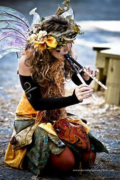 Fall fairy - love this style!