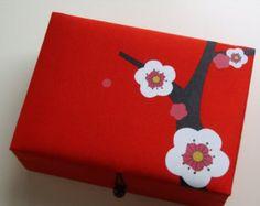 Caja de joyería de flores de cerezo color marrón por designhutusa