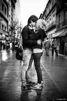 Strangers in love by Abelardo Ojeda, via 500px (Fuji X100) Street Photography.