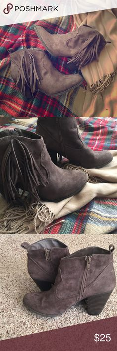 Brown fringe bootie Dark brown fringe bootie faux suede with heel. Worn only twice. Still have box ☺️ Charlotte Russe Shoes Ankle Boots & Booties