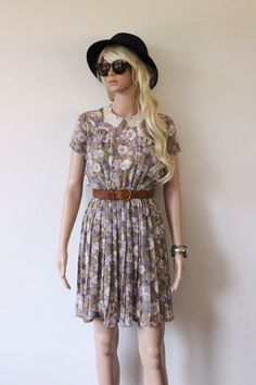 Genuine Vintage Dress floral pattern lace collar by TheHuntedCo