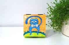 Funny cat art box - Childrens room decor - Nursery decor - Animal art case - Birthday gift for kids - Gift for cat lovers - Cat painting on wood box