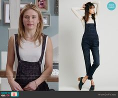 Amy's denim overalls on Faking It.  Outfit Details: http://wornontv.net/52396/ #FakingIt