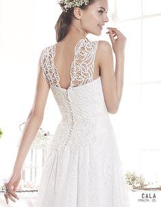 MALTA | Bohemian Wedding Dress | 2015 Cala Collection | by Sara Villaverde | Villais (close up back)