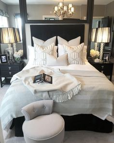 Best Ideas For Home Decor Bedroom Decor Ideas - What is the most romantic color for a bedroom? Bedroom Decor Ideas - What color should I not paint my bedroom? Small Room Bedroom, Dream Bedroom, Home Decor Bedroom, Bed Room, Spare Bedroom Ideas, Luxury Master Bedroom, Bedroom Ideas For Small Rooms, Bedding Master Bedroom, Pretty Bedroom
