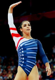 Aly Raisman wins gold medal in floor exercise