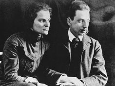 Poet Rainer Maria Rilke (1875 - 1926) with his wife, sculptress Clara Westhoff, circa 1910. (Photo by Keystone/Hulton Archive/Getty Images)