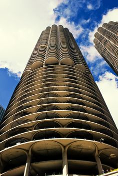 Marina City, Condos, Chicago, Illinois. Parking below and Condos with Balconies above.  On the the Chicago river. Built in the 1960s.