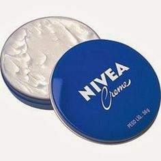 Who doesn't love Nivea crème? I put it on my hands and heels right before bed. Beauty Make Up, Beauty Care, Diy Beauty, Beauty Skin, Health And Beauty, Beauty Hacks, Crawling In My Skin, Creme Anti Age, Facial Care