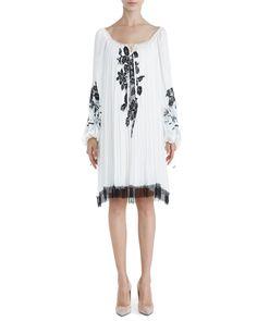 <p>Rochie din voal de mătase, mătase imprimată digital cu broderie, dantelă și mărgele aplicate</p> Cover Up, Tunic Tops, Models, Traditional, Boho, Blouse, Dresses, Women, Fashion
