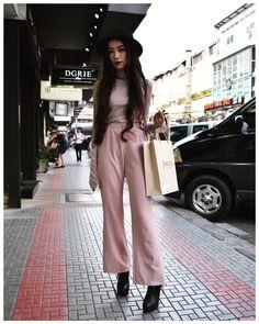 jibbie#siam #bangkok #bkk #thailand #fashionpic #fashion #snap #picture #thaifashion #タイ #バンコク #ファッション #スナップ #ファッションスナップ #古着 #タイファッション #🇹🇭 #greenimportavenue