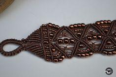 Brillante pulsera de brazalete de bronce Micro Macrame