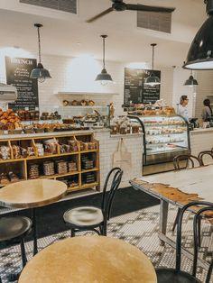Bakery Decor, Bakery Interior, Coffee Shop Interior Design, Restaurant Interior Design, Cozy Coffee Shop, Small Coffee Shop, Coffee Shops, Bakery Shop Design, Cafe Design