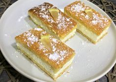 Citromos-túrós szelet Hungarian Recipes, Hungarian Food, Waffles, French Toast, Dinner Recipes, Food And Drink, Cooking Recipes, Sweets, Cookies