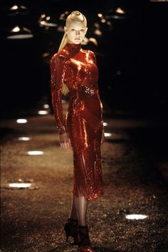 Alexander McQueen Fall 1998 Ready-to-Wear Fashion Show - Honor Fraser