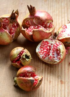 Photo: Japanese Garnet Fruit (Wild Pomegranates) | Zakuro ザクロ