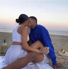 Couple Goals Relationships, Relationship Goals Pictures, Couple Relationship, Black Love Couples, Cute Couples Goals, Calin Couple, Parejas Goals Tumblr, Luxury Couple, Photo Couple