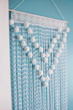 A Beautiful Mess. Wall hanging...I could do this. So pretty!